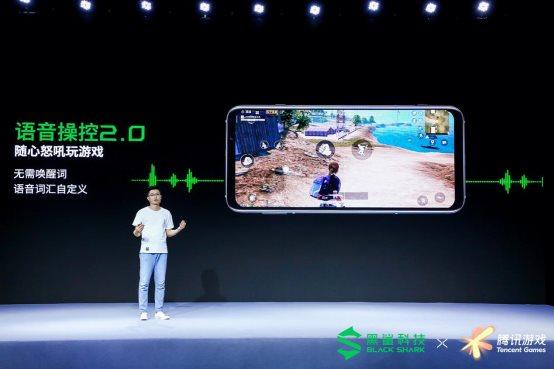 图片包含 室内, 男人, 屏幕, 电脑  描述已自动生成