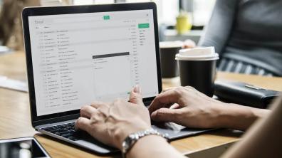 如果您厌倦了可怕的桌面电子邮件应用程序,请尝试使用Mailspring