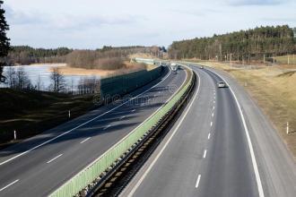 超过4500英里的英国道路没有电话信号