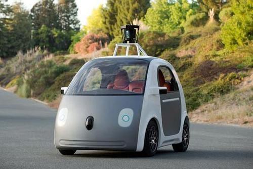 第一个谷歌无人驾驶汽车伤害由人为错误