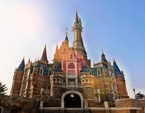 迪士尼+将在亚洲推出以挑战Netflix