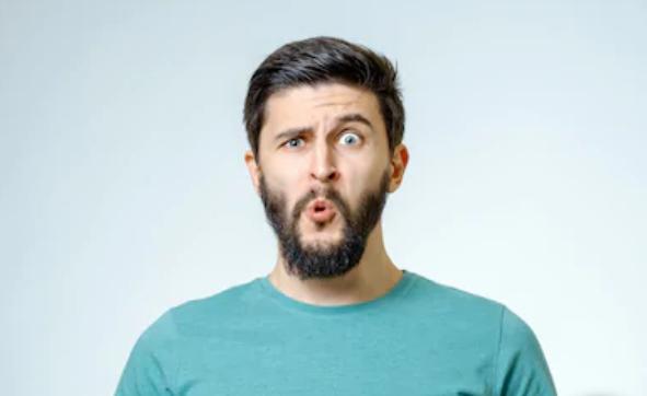慎用!表情包也会惹祸上身,男子发表情包惨遭客户投诉
